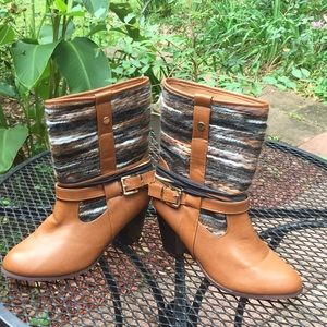 Francesca's sz 10 women brown boots with strap